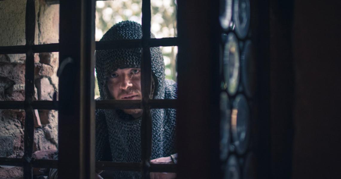 <p>Nacházíte se v15 století na středověké tvrzi Malešov, to co bude dál následovat, vám neprozradíme. Na tvrzi narazíte na několik historických postav, ale pozor nejsou to jen kulisy, promluvte se snimi, obchodujte, přelstěte je, ve středověku není nic zadarmo!</p>
